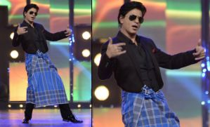 On the internet, even Shah Rukh Khan doesn't tie his lungi right.